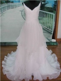 Stylish V-Neck Thin Straps A-Line Wedding Dress with Organza Layers (LB-W09)