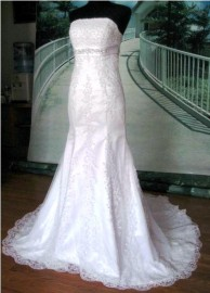 Elegant Trumpet / Mermaid Strapless Wedding Dress with Lace and Beadworks (LB-W10)