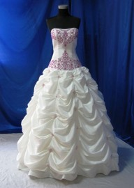 Elegant Strapless Sweetheart Wedding/ Formal Dress with Ruffle and Beadworks (LB-W16)