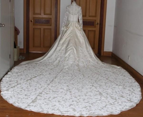 Gorgeous Kate Middleton Inspired Elegant Lace Overlay