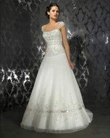 Elegant Cap Sleeves Shadow Sweetheart Wedding Dress with Stunning Beadworks (LBHSX223)