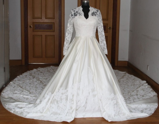 Gorgeous Kate Middleton Inspired Elegant Lace Overlay Wedding Gown